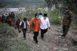 BNPB prioritaskan keselamatan warga terdampak erupsi Gunung Semeru