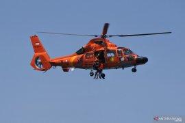 Danrem: bantuan logistik BNPB diangkut dengan helikopter ke Lembata