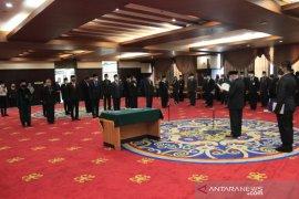 Gubernur Kaltim lantik 13 pejabat hasil seleksi terbuka JPT Pratama