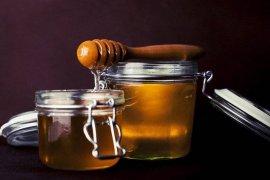 Tips mudah mengetes kemurnian madu