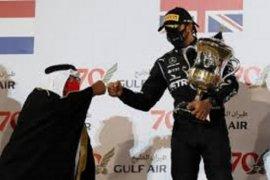 Negosiasi kontrak Hamilton dengan Mercedes tertunda gara-gara diagnosa COVID-19