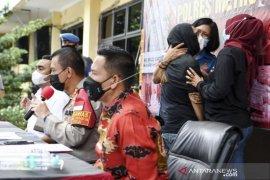 Mantan penyanyi cilik IBS Ditangkap Terkait Narkoba
