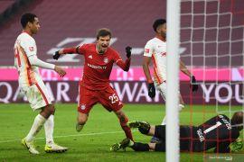 Pertemuan dua tim pemuncak klasemen Liga Jerman berakhir imbang skor 3-3