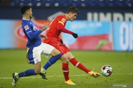 Leverkusen naik ke peringkat kedua setelah menang di kandang Schalke