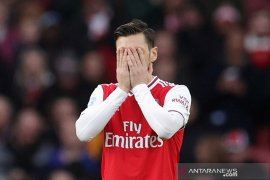Arsenal berjuang tanpa kreativitas Ozil, kata Ljungberg