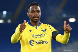 Verona curi tiga poin dari markas Lazio
