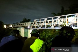 Mobil patroli polisi tabrakan dengan kereta api, satu TNI dua polisi tewas