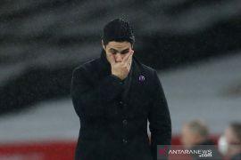 Jangan tumpuk kesalahan pada Arteta, kata kiper Arsenal Bernd Leno