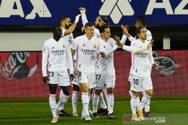 Cuaca buruk, Skuat Real Madrid terjebak di pesawat dua jam lebih
