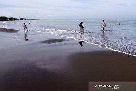 Wisata Pantai Tanjung Bayang Makassar tutup Page 1 Small