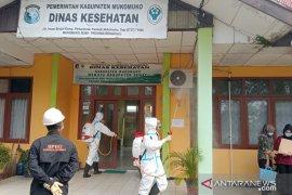 Kabupaten Mukomuko Bengkulu periksa sampel tes usap COVID-19 di Unand Padang