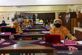Yogyakarta mengusulkan sekitar 8.000 guru masuk data vaksinasi COVID-19