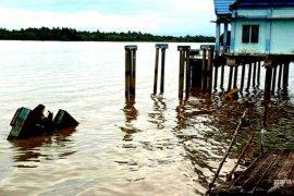 Pelabuhan ponton Salimbatu tenggelam