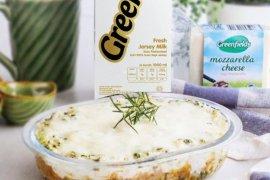 Bahan dan cara membuat Nasi Bayam Kukus