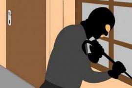 Polisi amankan lima orang terkait pencurian isi rumah di Kedoya
