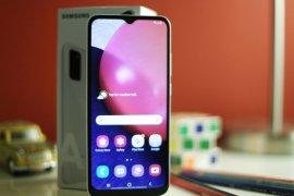 Tahun ini, Samsung unggulkan baterai besar di ponsel