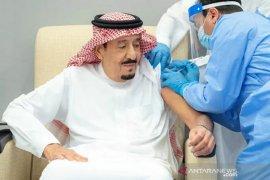 Raja Arab Saudi terima suntikan vaksin COVID-19