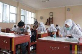 Tanah Datar tutup sekolah, jika ada yang positif COVID-19 selama pembelajaran tatap muka