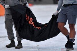 Jenazah korban Sriwijaya Air SJ-182 atas nama Ricko diserahkan ke keluarga