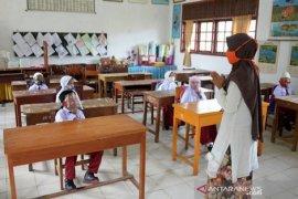Kemenag tunggu keputusan Gubri soal sekolah tatap muka