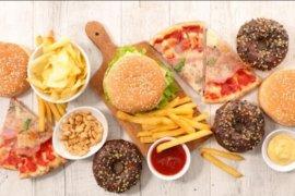 Lakukan ini setelah kita konsumsi makanan penuh kolesterol untuk minimalkan efek bahaya