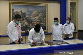Bupati tandatangani dua prasasti puskesmas di Padang Pariaman