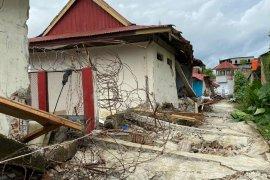 Petugas dan napi Rutan Mamuju luka akibat gempa
