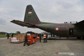 Pesawat TNI AU mengangkut bantuan logistik ke Mamuju