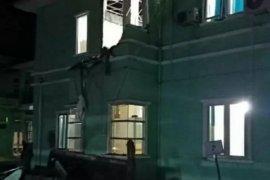Bangunan bertingkat di Mamuju roboh akibat gempa
