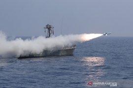 LIran tembakkan rudal jarak jauh ke Samudera Hindia