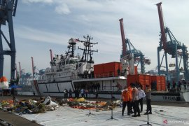 Tim SAR kerahkan 62 kapal hari kedelapan pencarian Sriwijaya Air SJ-182