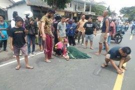 Terduga pelaku tabrak lari seorang pelajar hingga meninggal di jalan raya Kopang diamankan polisi