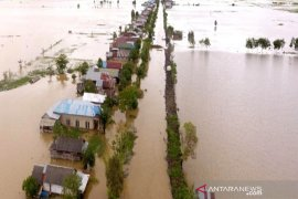 Pascabanjir Kalsel ditemukan lima mayat, sejumlah rumah hancur
