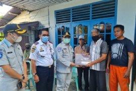 Jasa Raharja Riau serahkan santunan Rp50 juta untuk Putri Wahyuni korban Sriwijaya Air