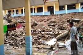 Longsor terjang sekolah di Gayo Lues Aceh