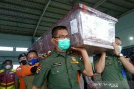 Jenazah IndahHalimah Putri korban Sriwijaya Air tiba di Palembang