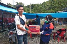 Relawan Papua serahkan bantuan kepada korban gempa di Mamuju Sulbar