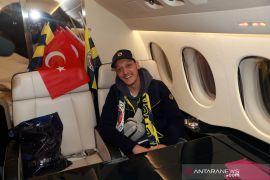 Rayakan Idul Fitri, Mesut Ozil dan Mo Salah sampaikan pesan  kedamaian