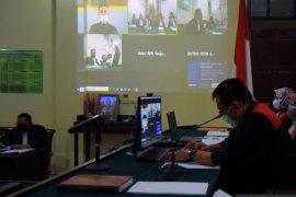 Mantan Bupati Lampung Tengah Mustafa kembali disidangkan