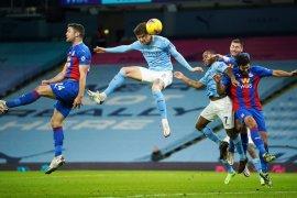 John Stones sumbang dua gol saat Man City tundukan Palace