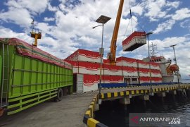 Kapal Tol Laut angkut 40 ton beras Parigi Moutung ke Sulut