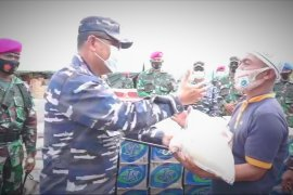 Lantamal VI salurkan bantuan untuk korban gempa Sulbar di desa terisolir