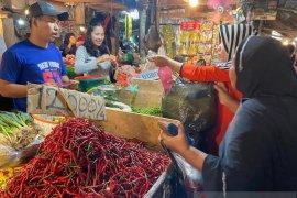 Harga cabai merah di Palembang masih tinggi Rp50.000/Kg