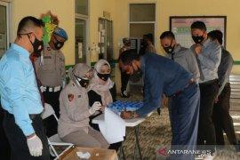Polda Sumatera Selatan mendadak tes urine personel cegah penyalahgunaan narkoba