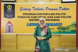 Dosen IAN FIS UNP lulus dengan predikat sangat memuaskan saat ikuti sidang terbuka promosi doktor