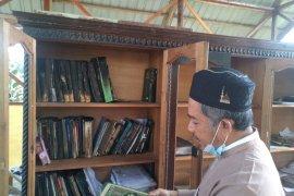 Asrama terbakar, bantuan untuk Pesantren Cahaya Islam Kota Payakumbuh terus mengalir