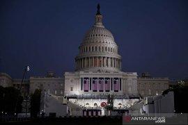 Saat pelantikan, Joe Biden pimpin peringatan kematian 400 ribu warga AS karena COVID-19