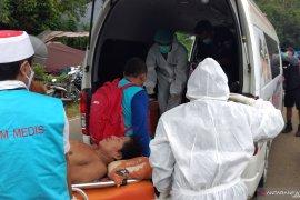 Tiga korban gempa Mamuju Sulbar dievakuasi dari tenda pengungsian