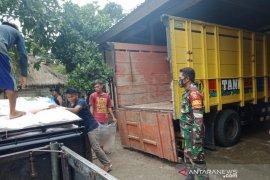 Kodim Lombok Tengah mengawal pendistribusian pupuk subsidi ke petani