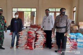 Penyaluran bantuan Ziyap-ANTARA Kaltara Peduli korban Banjir Sembakung